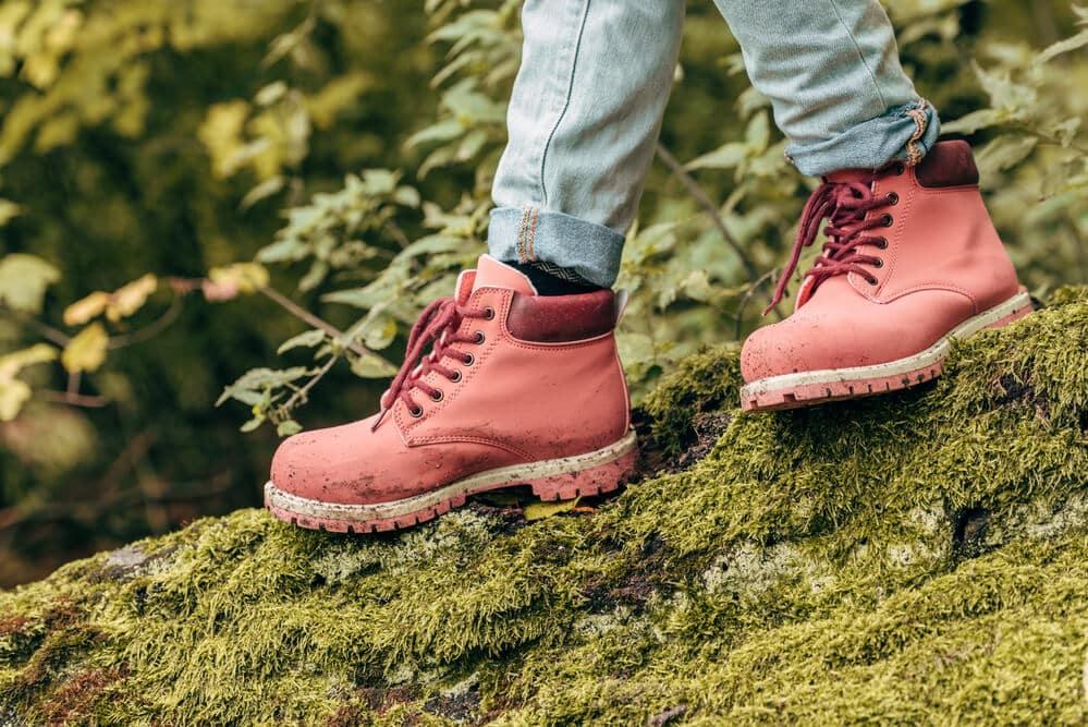Comment choisir les meilleures chaussures de marche femmes