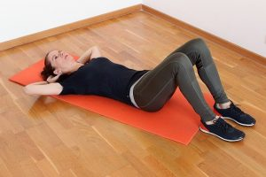 exercices de cardio à faire chez soi sans matériel - crunch